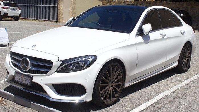 Mercedes-Benz C 250 или инвестировать в пенсию?