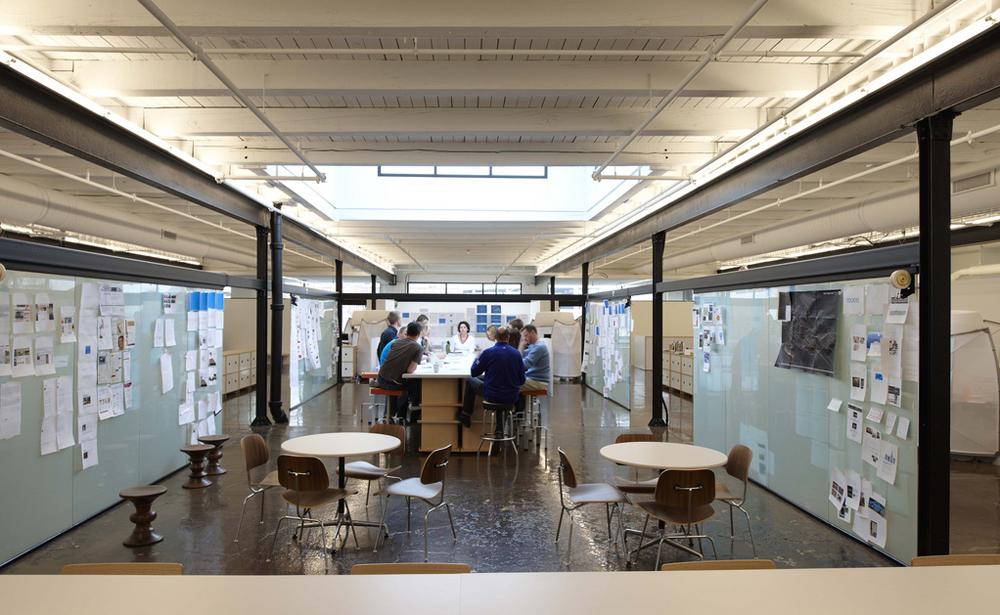 Пример офиса компании Mono — 15 крутых вариантов мировых маркетинговых и рекламных агентств