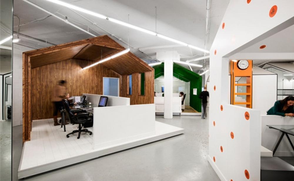 Пример офиса компании BICOM Communications — 15 крутых вариантов мировых маркетинговых и рекламных агентств