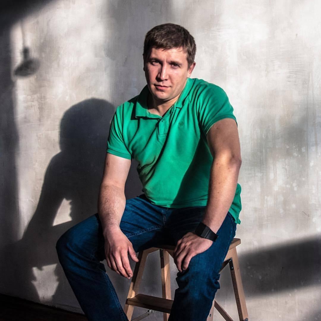 Антон Малышев - занимаетс бизнес-процессами промышленных предприятий