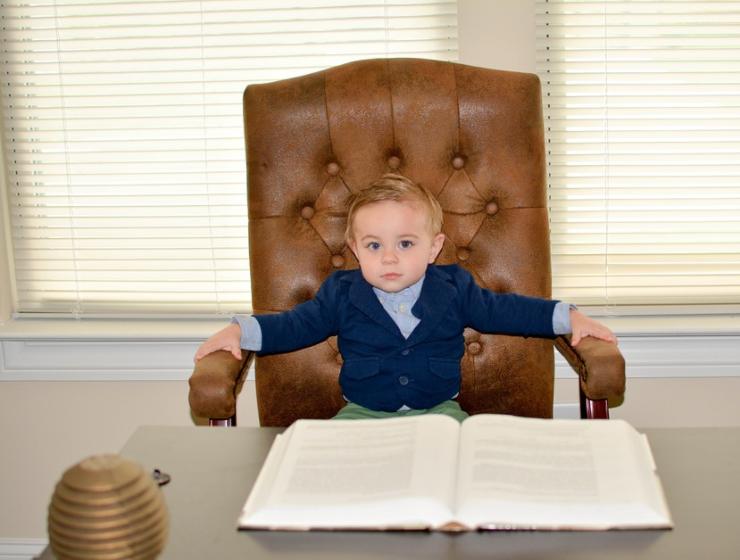 мальчик бизнесмен