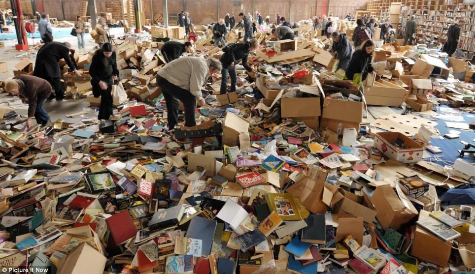 Заброшенные склады Amazon